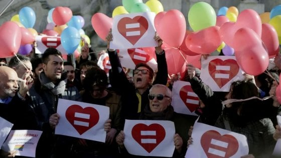 Unioni civili, due donne dicono sì a ottant'anni a Modena