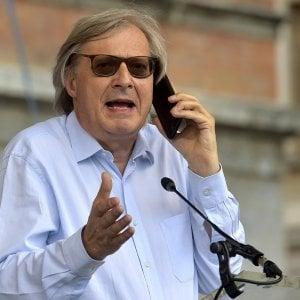 Ferrara, furti a casa di Vittorio Sgarbi: denunciato ex custode
