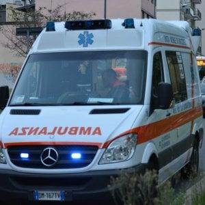 Reggio Emilia, finisce con l'auto in un canale: muore a 21 anni per un'infezione