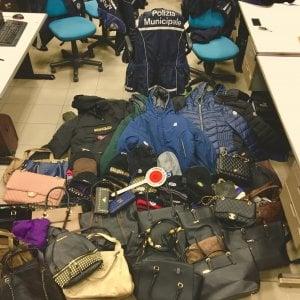 Bologna, 135 articoli falsi sequestrati agli ambulanti
