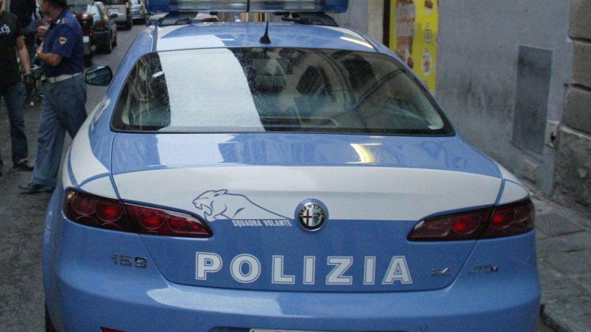 Bologna rissa a porta san vitale poliziotto con mano - Porta san vitale bologna ...