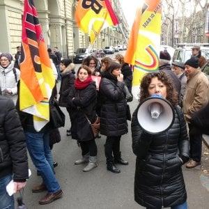 Bologna, le scuole riaprono con uno sciopero