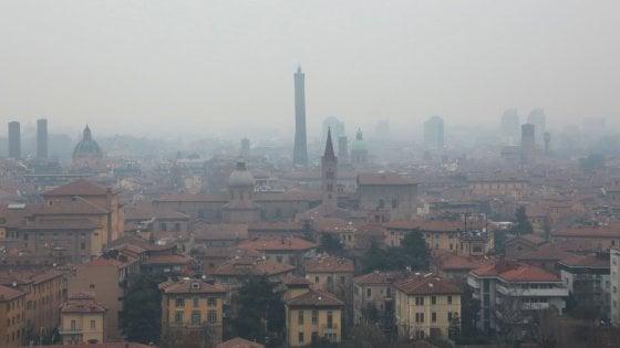 Bologna, tre giorni consecutivi di smog oltre i limiti. \