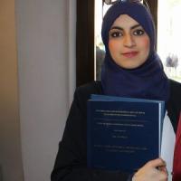 Bologna, Asmae Belfakir torna in tribunale col velo: