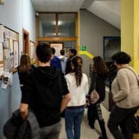 Bologna, si stacca un infisso della scuola, il Comune: