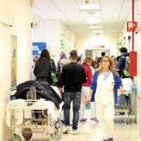 Bologna, incidente sul lavoro: corriere ferito nel parcheggio di Unicredit.