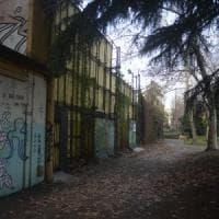 Bologna, il Dlf perde pezzi: viaggio nell'ex gioiello dei ferrovieri