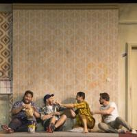 Un successo la Bohème al Comunale di Bologna: il ritratto impietoso dei