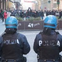 Lo sdegno dell'Anpi di Bologna per i banchetti di CasaPound e Forza Nuova