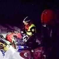 Appennino tosco-emiliano, escursionista cade in un dirupo: salvato dai soccorritori