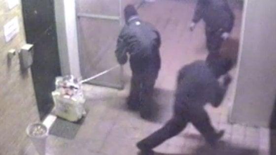 Bologna, la procura chiede l'archiviazione per l'attentato alla caserma di Corticella