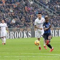 Il Bologna rilancia anche l'Inter e perde la testa: 2-1. Destro è un caso