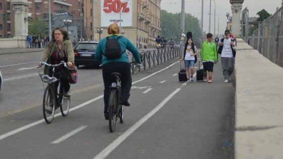 Non sapete andare in bici? A Bologna un corso per insegnanti volontari