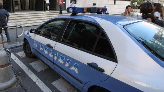 Rimini, botte e umiliazioni alla moglie che vuole frequentare l'università: arrestato