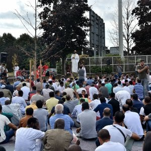 Una moschea a Bologna, il Comune apre. E la Lega protesta