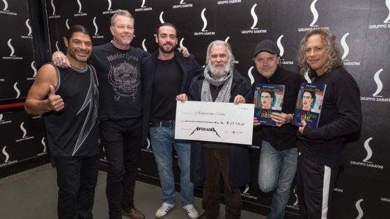 Non solo hard rock: i Metallica donano 30mila euro alle mense per i poveri di Bologna