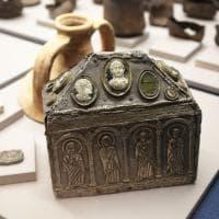Mille anni in trecento reperti: il Medioevo svelato a Bologna