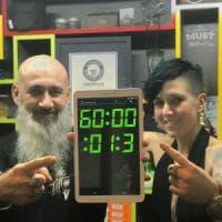 Modena, tatuaggio da record del mondo: sessanta ore sotto i ferri