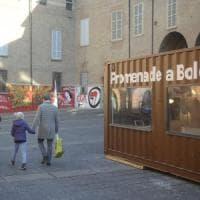 Winter Village chiude, addio ai container in piazza Verdi a Bologna