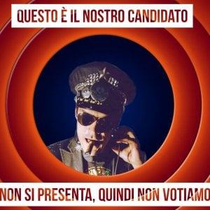 """""""Se strappi la tessera elettorale ti regaliamo una birra"""": Bologna, la festa del collettivo in facoltà"""