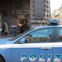 Bologna, rapina una studentessa davanti all'Hobby One: arrestato