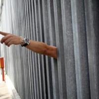 Bologna, un altro detenuto cerca di togliersi la vita
