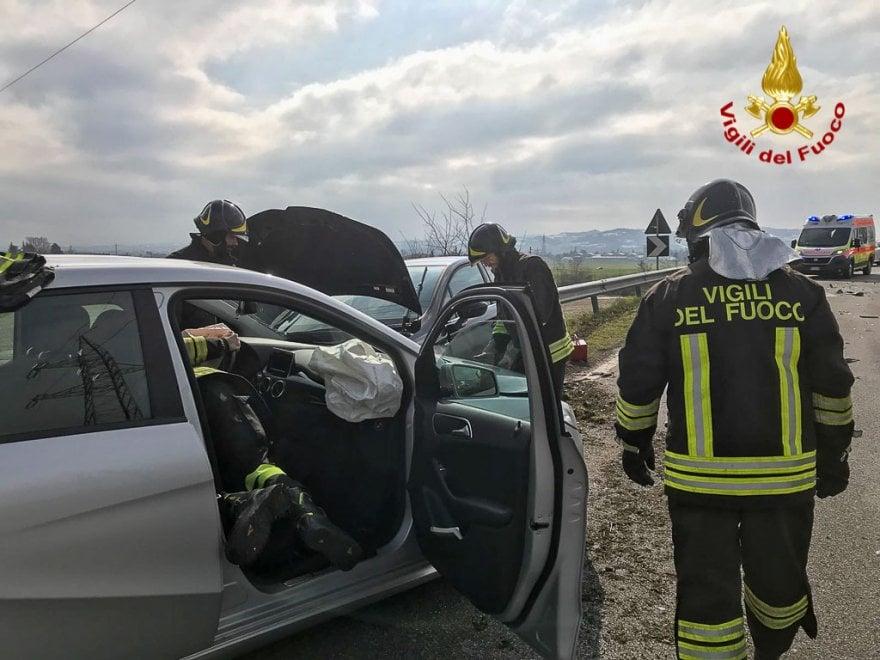 Incidente stradale a San Lazzaro, carambola fra cinque auto
