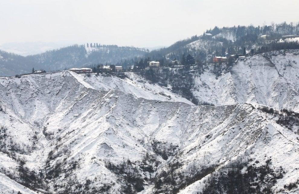 La magia della neve: i giardini di Bologna, i calanchi, l'Appennino