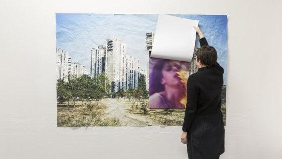 """Ricostruirsi un'identità lontano da casa: """"I lied in a Visa center"""", artisti migranti"""