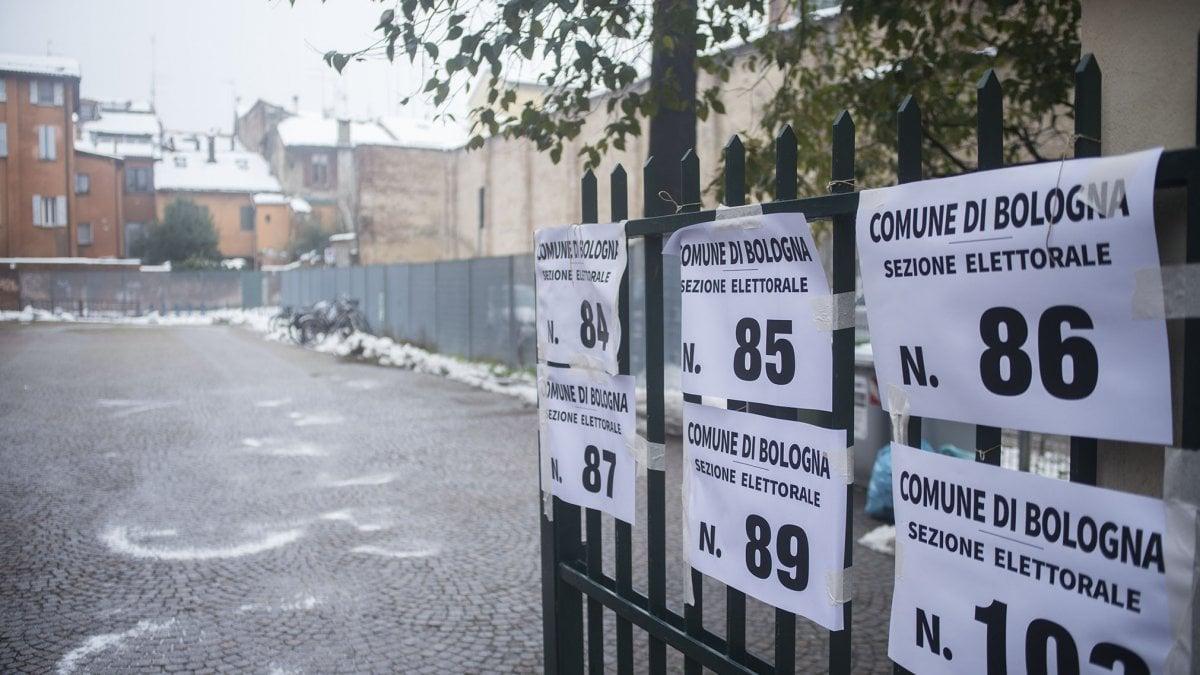 Ufficio Elettorale Bologna : Il voto i seggi le schede vademecum delle elezioni a bologna