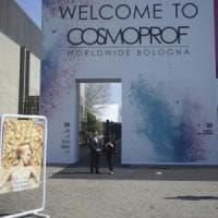 Denunciato tassista abusivo che portava i viaggiatori al Cosmoprof di Bologna