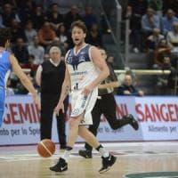 Basket, McCamey non basta: la Fortitudo perde la battaglia contro Treviso