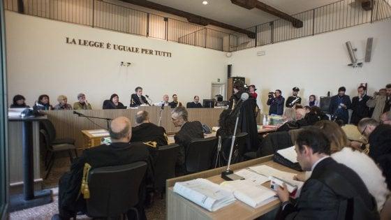 Strage di Bologna, parte il processo contro Cavallini. Bolognesi: la verità? basta volerla