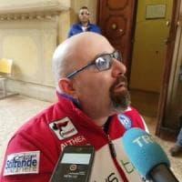 La sfida di Paolo: da Bologna a Monaco in cinque giorni, con la sua sedia