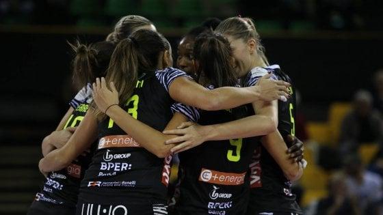 Alcalde guapo donante  Addio alla Liu Jo, Modena perde la sua squadra di volley femminile - la  Repubblica