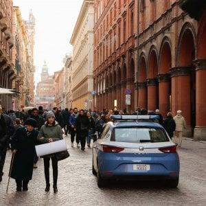 Bologna, aggressione omofoba in pieno centro: denunciati due moldavi