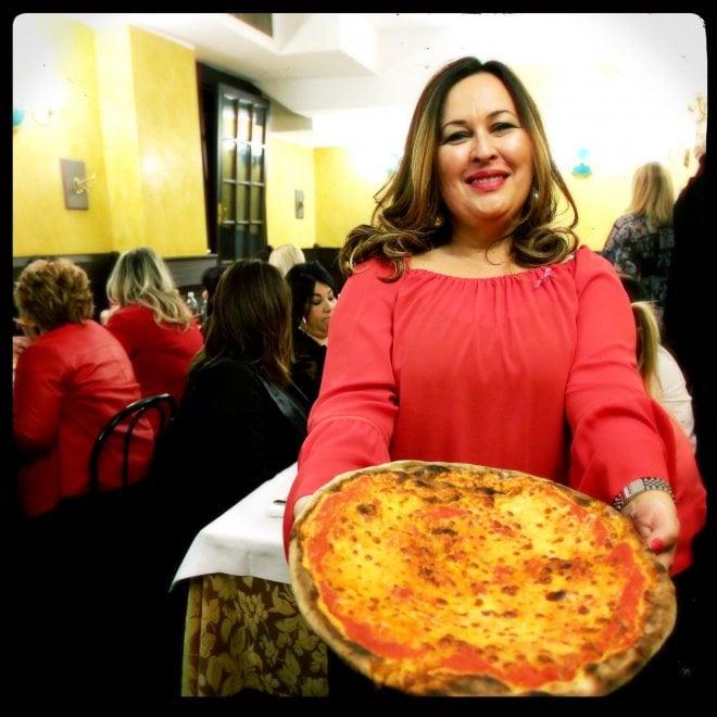 """La sexy pizza delle ragazze """"curvy"""""""