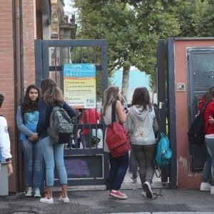 Bologna, la social prof che insegna la parola della buonanotte con WhatsApp