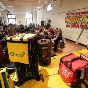 Prima assemblea nazionale dei portapizze a Bologna. E anche Milano firma un accordo coi riders