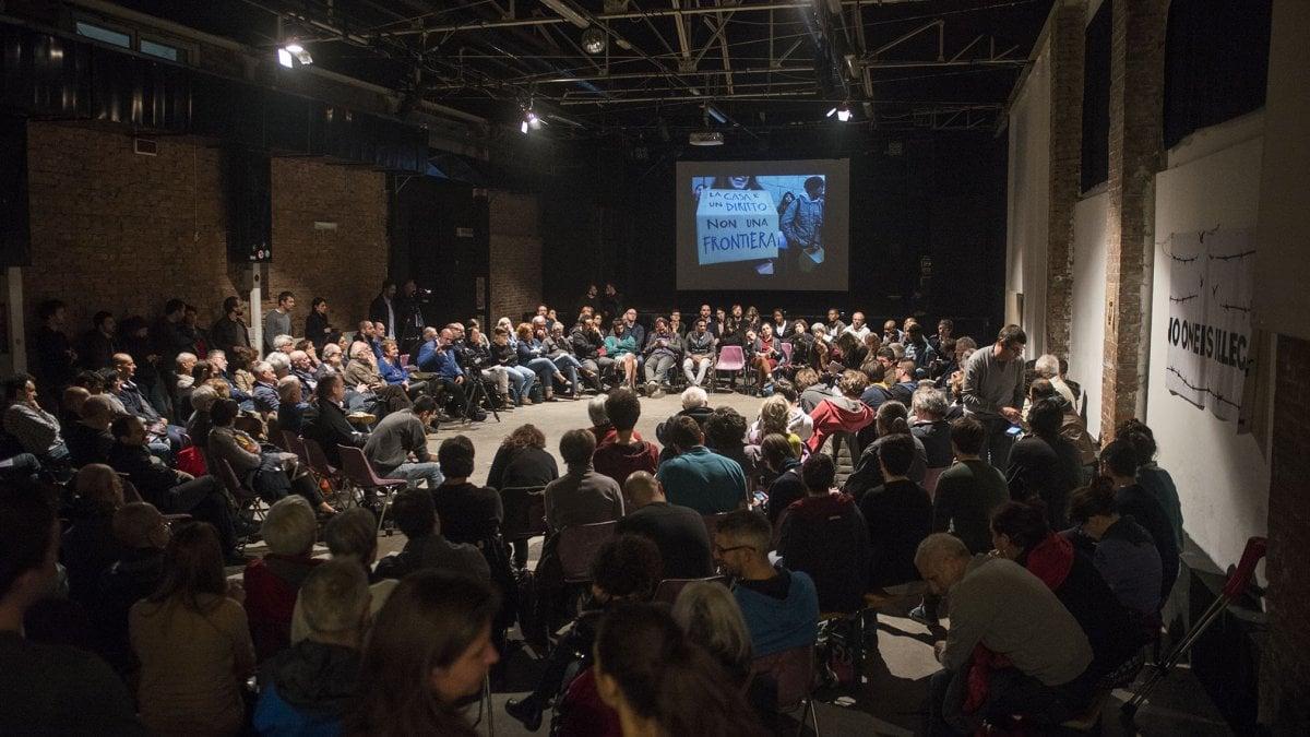 Bologna, il vescovo Zuppi al centro sociale Tpo: prove di dialogo tra cattolici e antagonisti