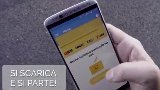 Il biglietto del bus comprato con lo smartphone: con Muver è realtà anche a Bologna