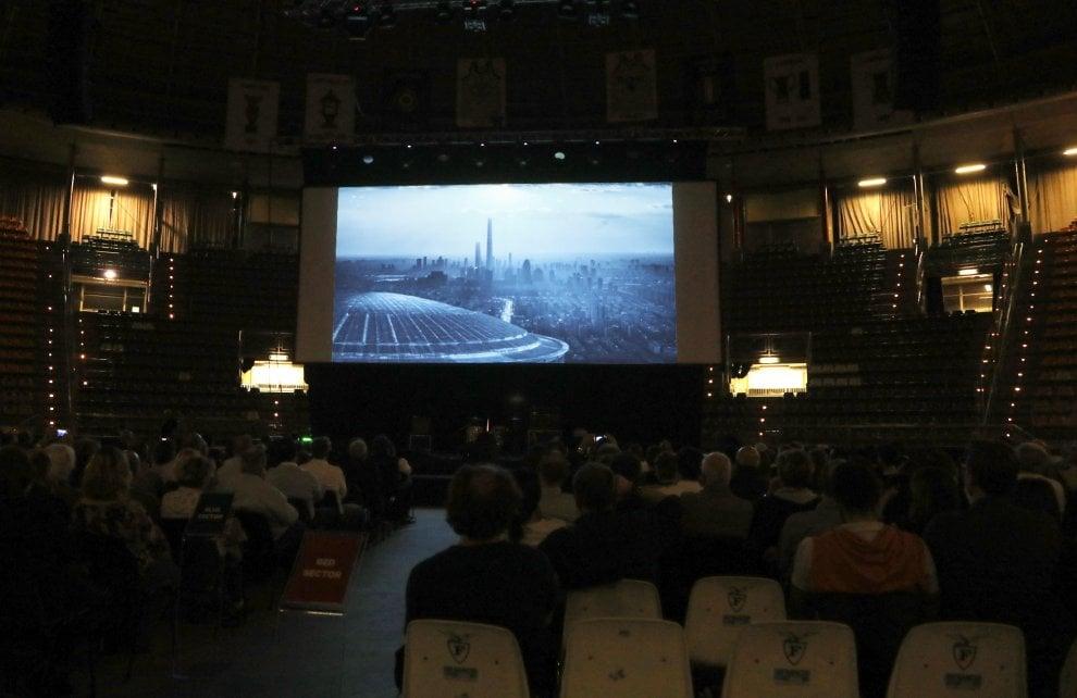 Tutti al Palazzo, le foto dell'anteprima del film sul PalaDozza (sold out)