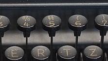 """Macchine per scrivere  """"da guerra"""" in mostra: c'era anche il tasto SS"""