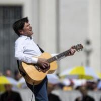 Da Guccini a Prodi: in 14mila partiti da Bologna in pellegrinaggio da Papa