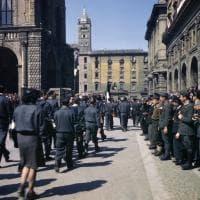 I partigiani in tute blu: le inedite fotografie a colori della Liberazione di Bologna