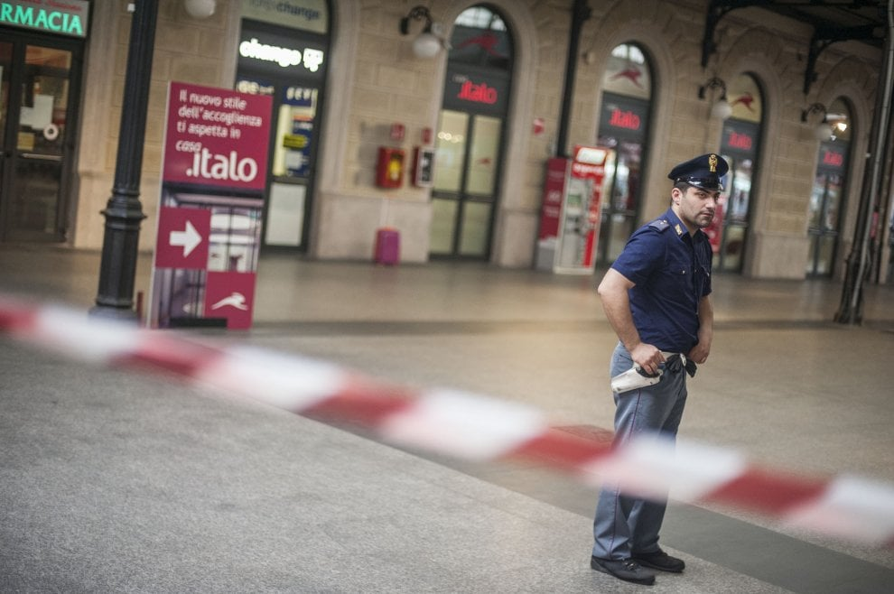 Allarme bomba in stazione centrale a Bologna per una valigia abbandonata