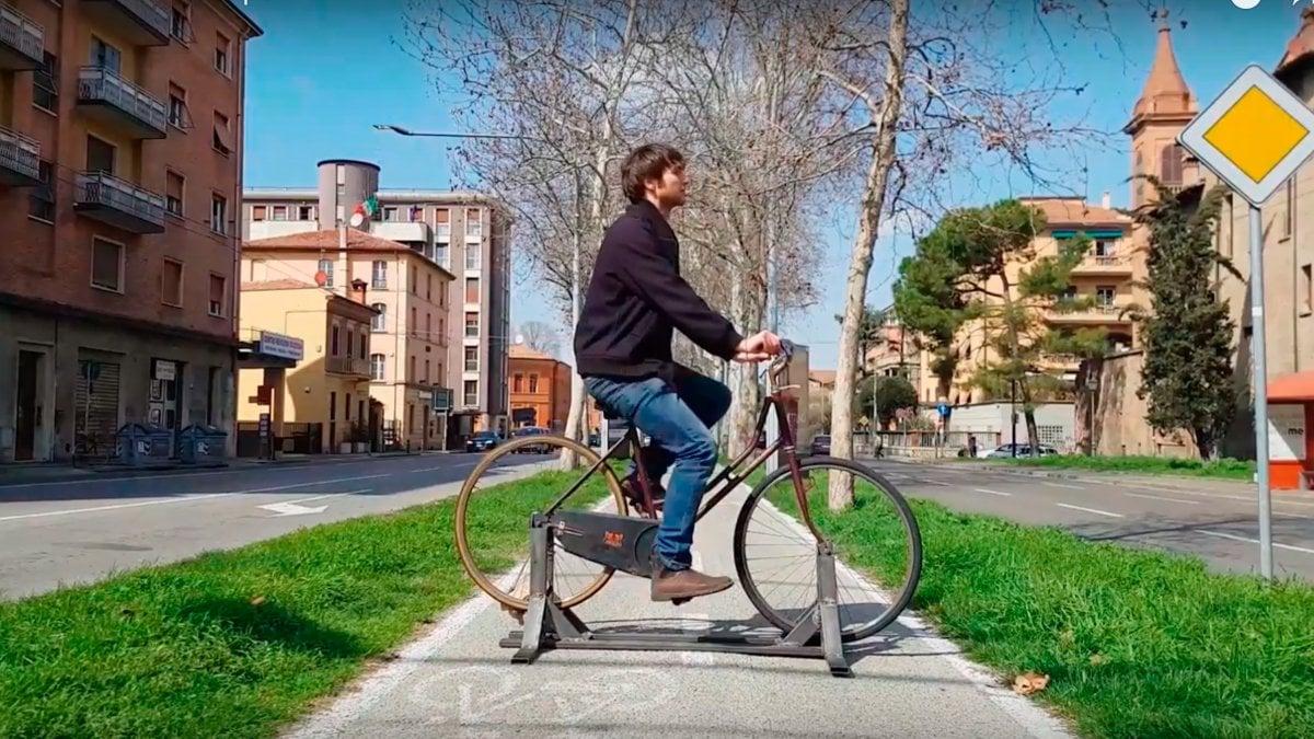 Il cellulare si carica pedalando a bologna le idee di - Piscina san giovanni in persiceto ...