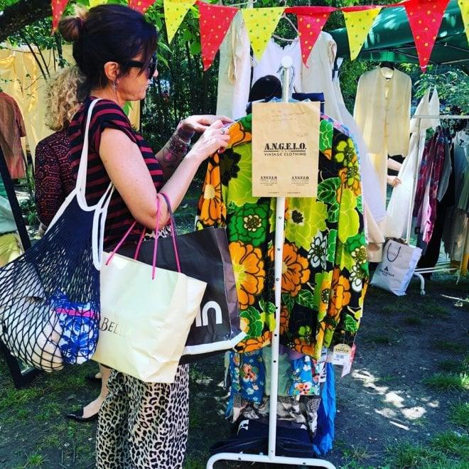 A Bologna torna Re-use with love, il mercatino vintage e solidale