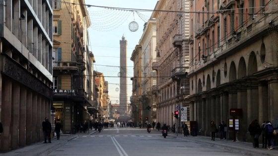 Bologna, due donne investite sulle strisce pedonali