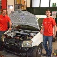 Bologna, così l'auto usata rinasce elettrica: e la vecchia Panda ha una